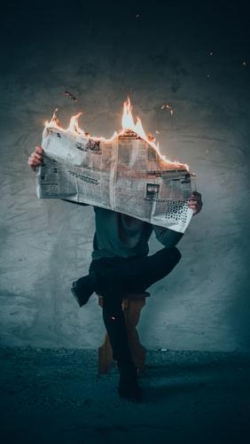Руйнація системи збуту друкованої преси. Припинення випуску газети «Сьогодні»